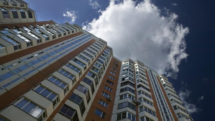 В Новосибирске 13-летняя девочка выпала с седьмого этажа и осталась жива