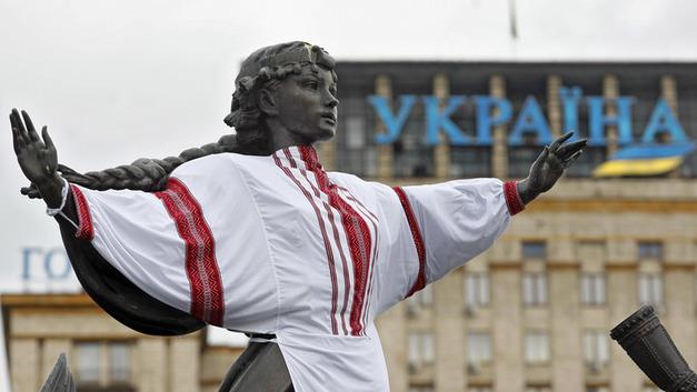 Дальше будет Бандера: Для чего Киев одел футболистов в вышиванки