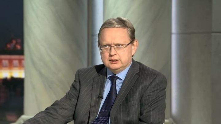 «Даже Илона Маска поставили бы в первый ряд»: Делягин об отношении стран АТЭС к Медведеву