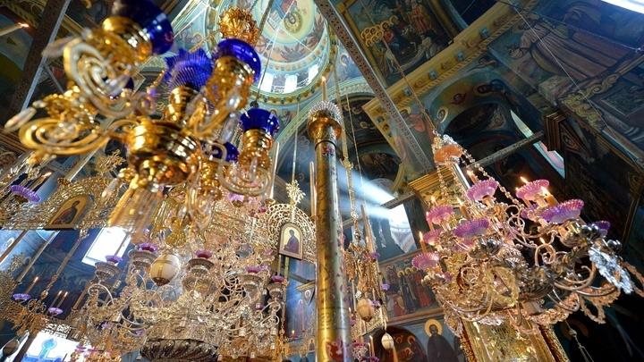 Святейший Патриарх Кирилл благословил верующих молиться в русском монастыре на Афоне