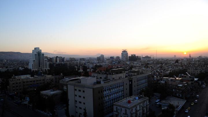 Сирийские ПВО отразили ракетный удар близ Дамаска - СМИ