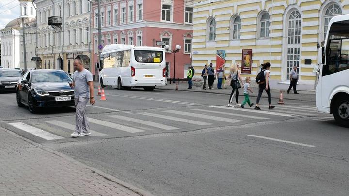 Урбанисты опять недовольны: На переходе в центре Владимира сделали лежачих полицейских
