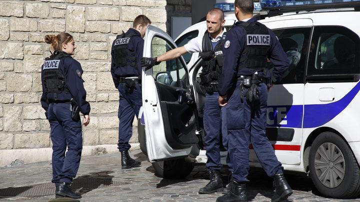 Грабители на скутерах отобрали сумочку у грузинского посла во Франции