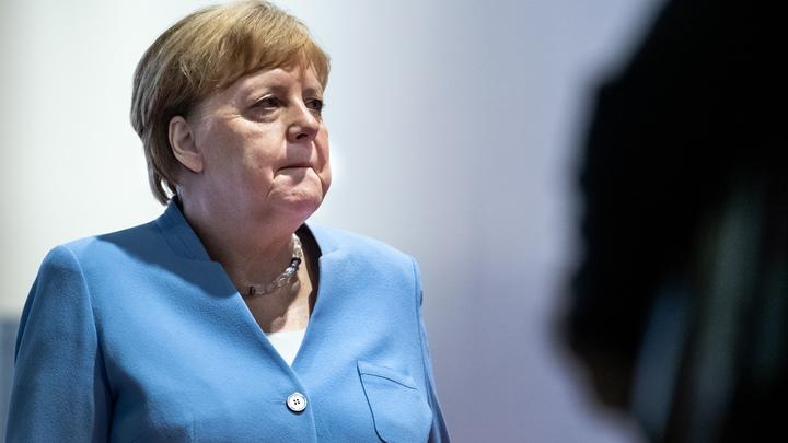 Так колотило, что сама испугалась: Меркель сфотографировали на G20 в говорящей позе