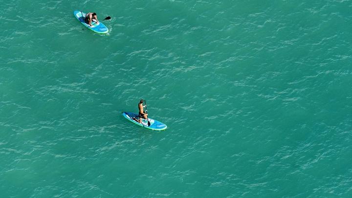 Спасатели эвакуировали сапсерфингистов с острова на озере Тургояк