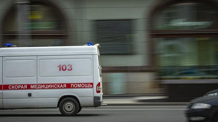 Грузовик влетел в автобус: На Боровском шоссе произошло ДТП с пострадавшими
