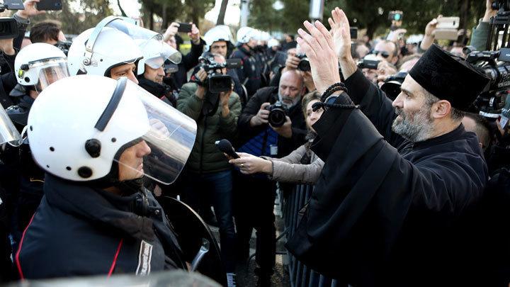 Если не послушают народ - долой беззаконную власть: Митрополит Амфилохий осудил антицерковный закон в Черногории