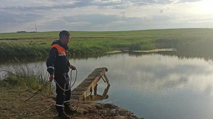 Утонул на глубине по пояс: на водоемах Челябинской области за один день погибли два человека