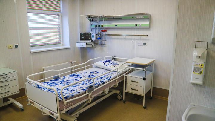 В госпитале Ленэкспо оборудуют дополнительные койки реанимации