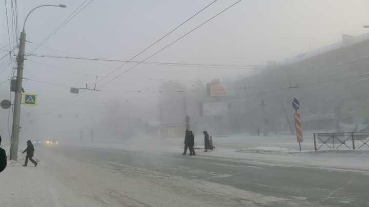 Новосибирцы снова жалуются на неприятный запах в городе