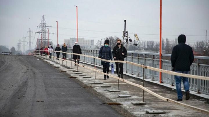 Сроки сдачи моста на Малиновского под угрозой срыва: Чиновники полгода торгуются с землевладельцами