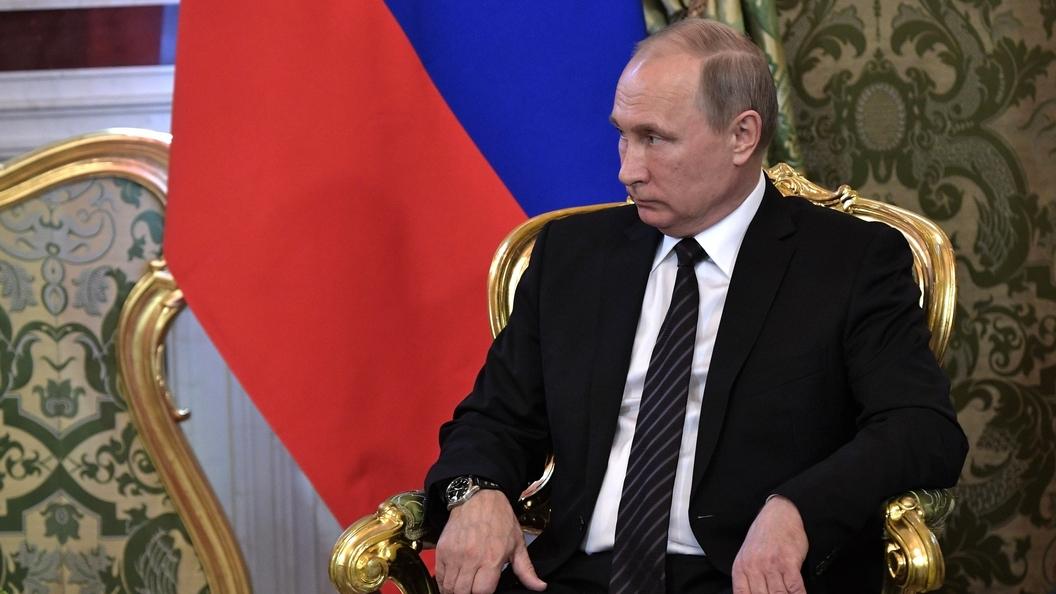 Путину представили 35 томов Большой русской энциклопедии