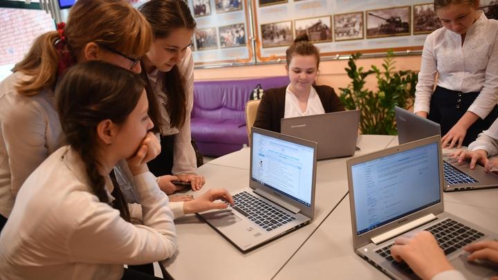 Владимирские школы с большой задержкой получили почти 500 единиц электроники