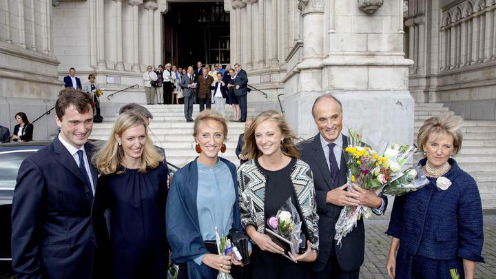 Съездил отдохнуть: У бельгийского принца диагностировали COVID-19