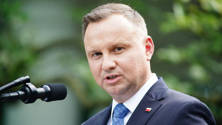 Анджей Дуда будет возглавлять Польшу ещё один срок. Озвучены данные экзитполов