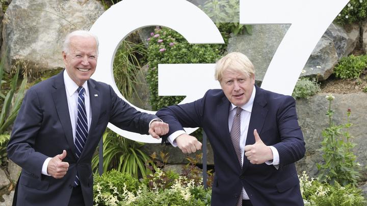 Байден снова оконфузился: Президент США заблудился на саммите G7 - видео