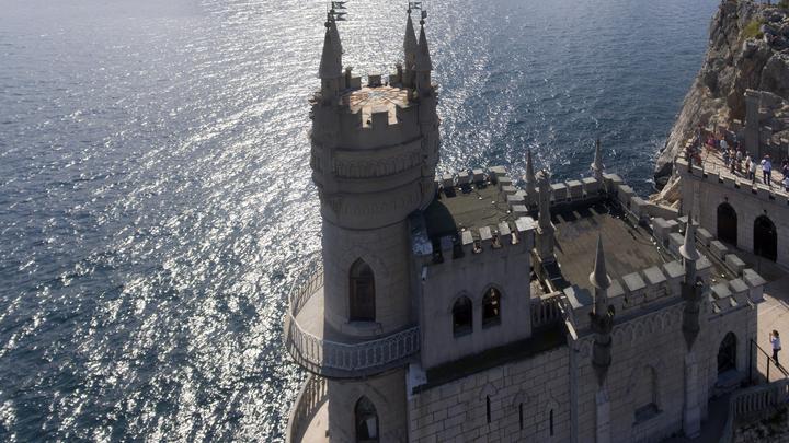 Недовольную Крымом послали в Сан-Тропе: При Украине тут вообще совок совком был