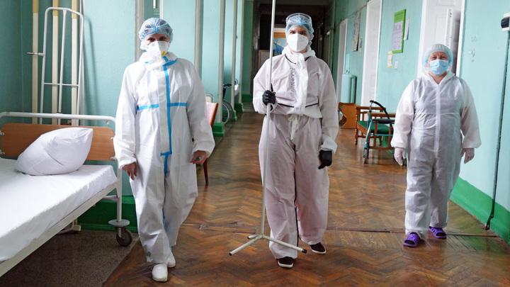 Прошу не судить строго: Врач впервые с марта покинул красную зону ковидного госпиталя