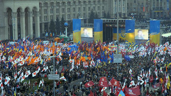 Кто-нибудь из них вообще читает свои программы? - кандидат в украинские президенты защищал тезисы Гитлера, как свои собственные