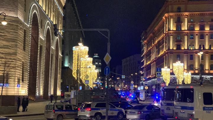 Слишком всё синхронно: Генерал-майор ФСБ назвал неслучайным теракт на Лубянке
