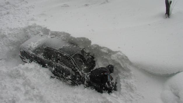 На Камчатку обрушился циклон, закрыты школы и аэропорт