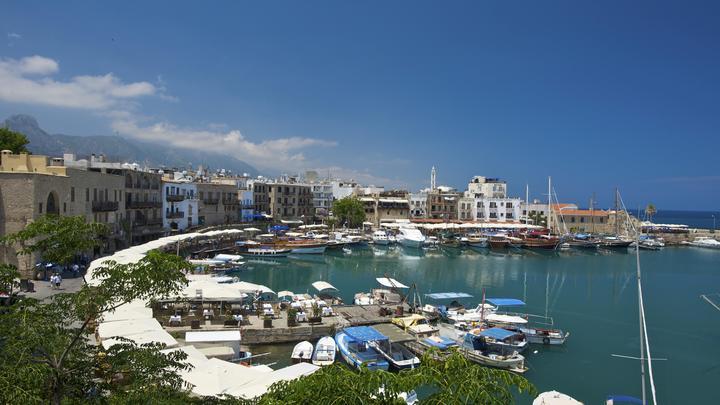 Кипр дал российским владельцам счетов спасти свои накопления от санкций США