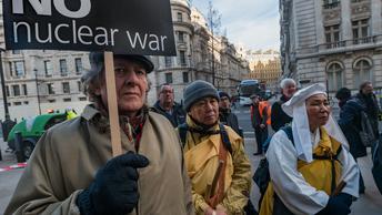Борцам с ядерным оружием вручили Нобелевскую премию мира