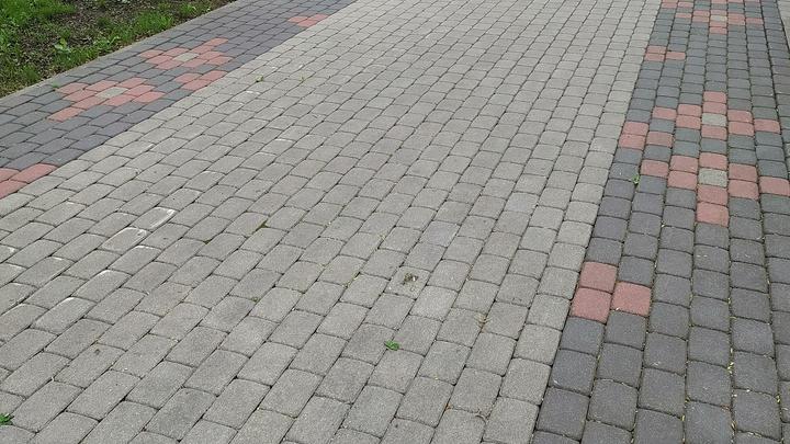 Голый мужчина прогулялся по Красному проспекту в Новосибирске
