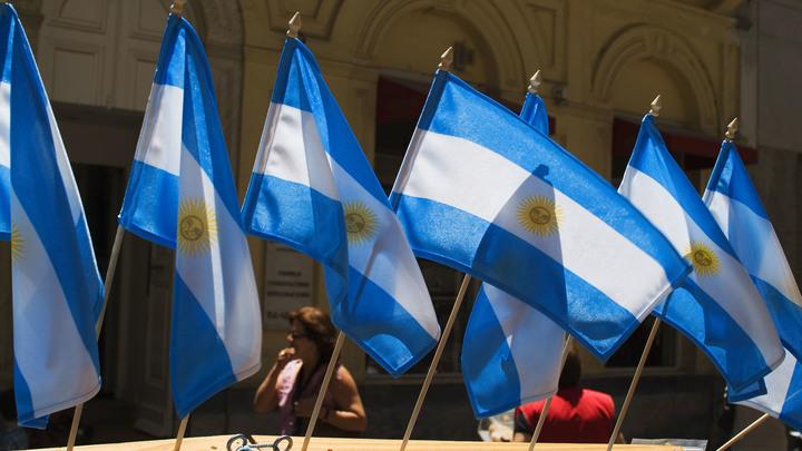 На речном складе в Аргентине прогремел сильный взрыв: Есть пострадавшие