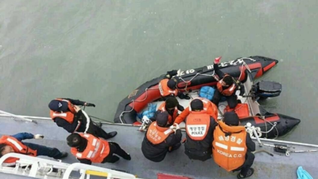 Трое погибших, трое пропали без вести: Стали известны подробности столкновения судов в Желтом море