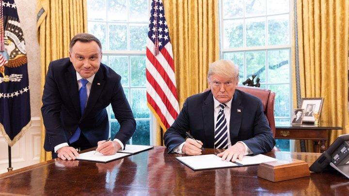 Сотрудник польского телеканала уволен за насмешку над визитом Дуды в США