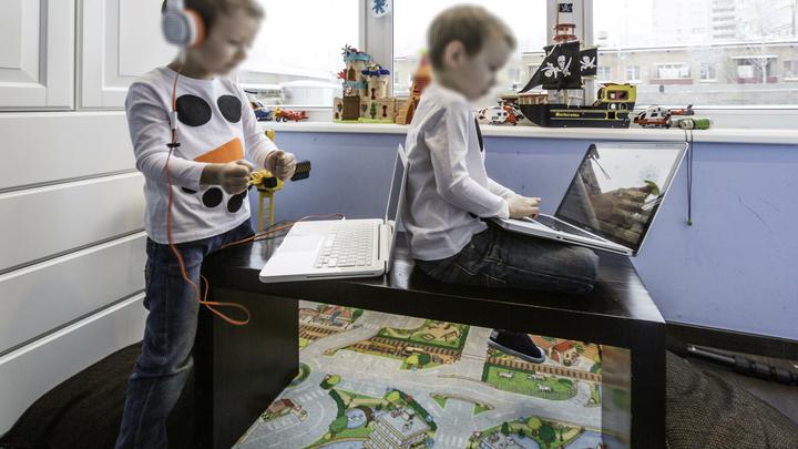 Корпорации сознательно используют цифровые крючки, приучая нас к гаджетам