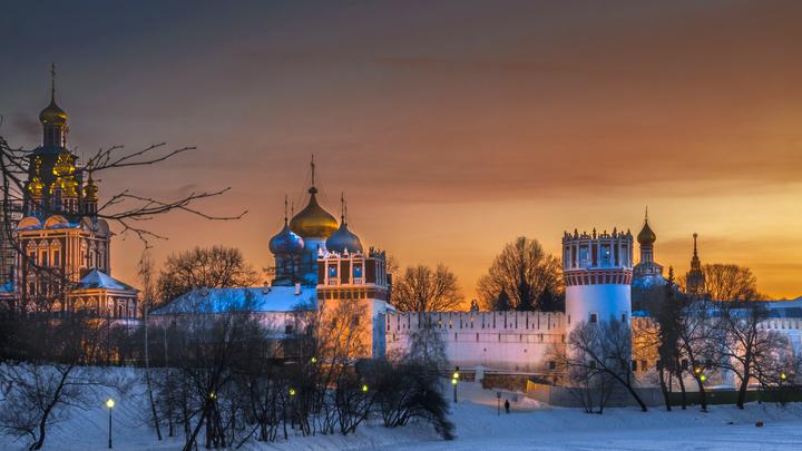 Общественный транспорт в Москве работает до 3 ночи в Рождество