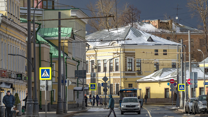 Под ударом 12 регионов: В Гидрометцентре рассказали, куда в России придёт зима в ближайшие дни