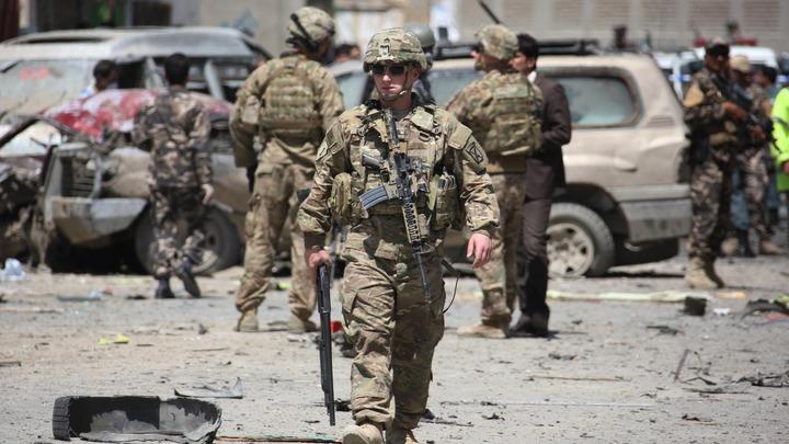 Журналист подсчитал, сколько афганцев нужно вывозить в день. США не укладываются
