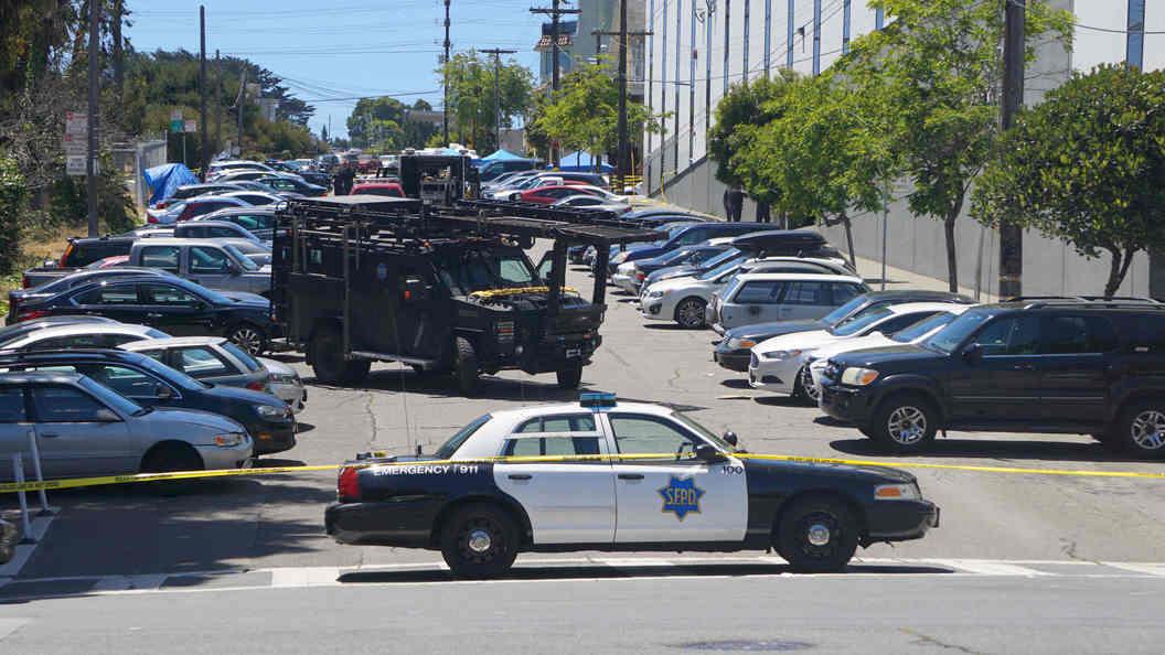 ВСан-Франциско машина въехала втолпу людей, один человек умер