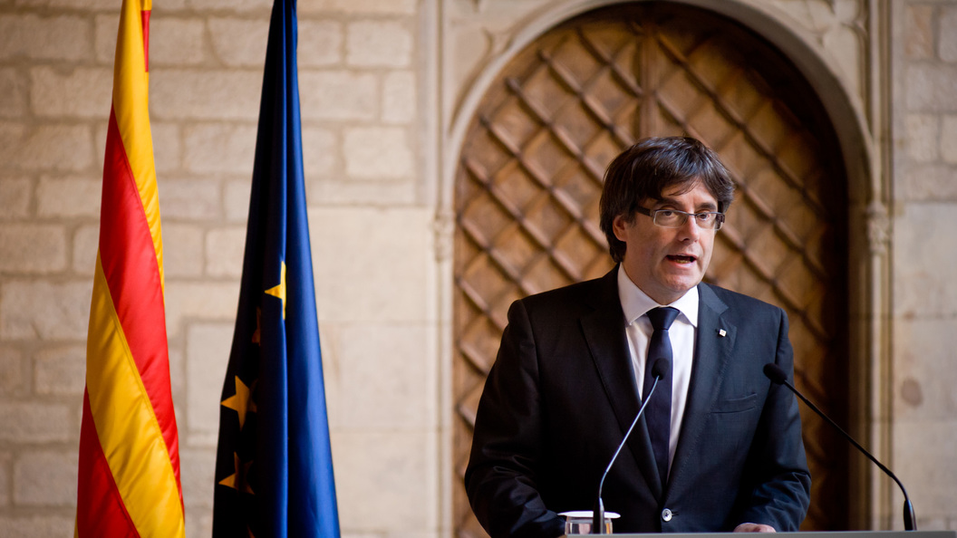 Сенат Испании остановил  автономию Каталонии