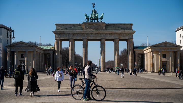 За красоту - 422 евро: Немец придумал, как заработать на эпидемии