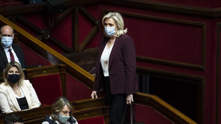Марин Ле Пен оправдали за твит с жертвами террористов