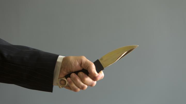 Житель Челябинской области пырнул себя ножом, чтобы инсценировать ограбление