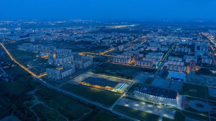 Едкий апокалипсис в Омске: Жители в панике - город затянуло дымом