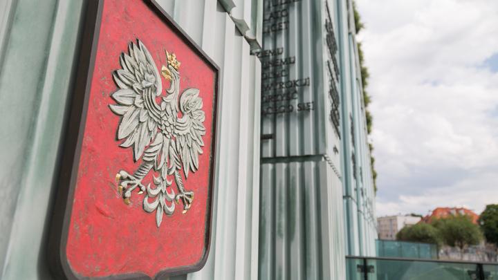 Руководитель Минобороны Польши объявил оразмещении вгосударстве военных баз США