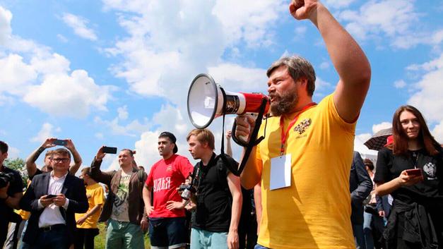 Мы русские, с нами Бог!: Защитники Русского мира вышли на бой
