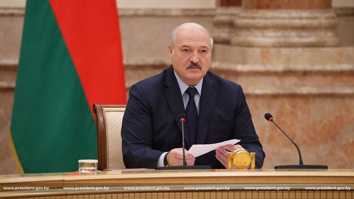 «Я никогда ниоткуда не бежал и не сбегу»: Лукашенко рассказал о планах после отставки
