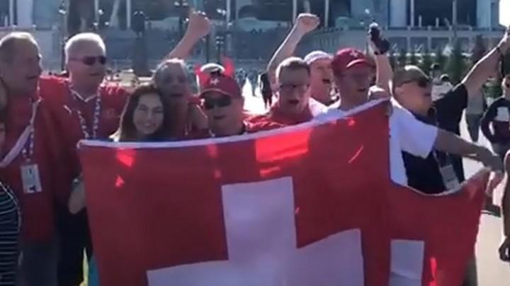Швейцарские болельщики оценили гостеприимство Петербурга на Евро-2020 и спели гимн России