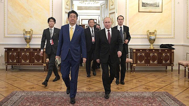 «Должна поддержать общественность»: Без согласия населения Путин Курилы не отдаст