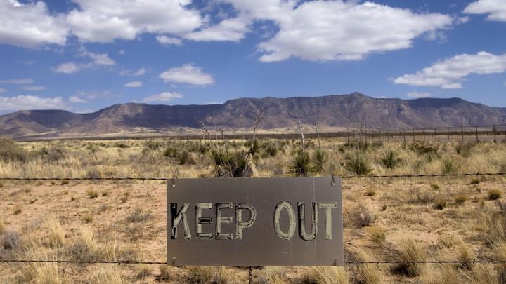 Пентагон задействовал Щит: На авиабазе в Нью-Мексико отработали отражение ракетной атаки лазерами