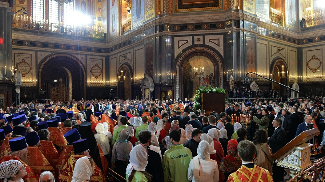 Неменее 700 тыс. верующих поклонились мощам Николая Чудотворца в столице