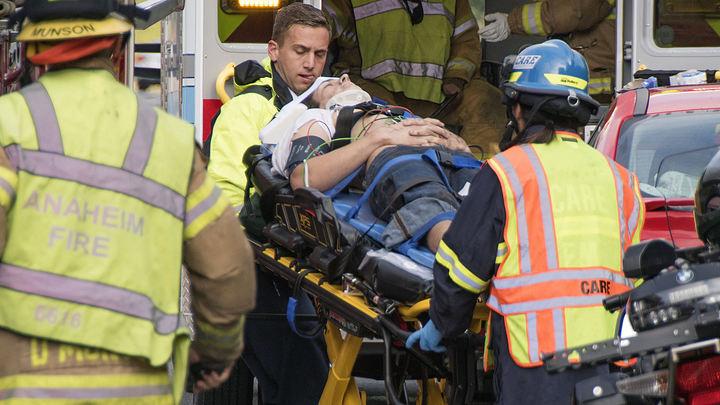 Автомобилисты в Майами попали в бетонную ловушку рухнувшего моста, есть жертвы