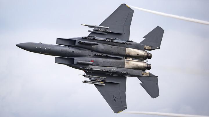 Пилот ВВС США замечен с нашивкой Россия: Итальянец нашёл этому простое объяснение